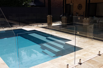 WHY GLASS POOL FENCING IS IN HIGH DEMAND AMONG PEOPLE OF SYDNEY?